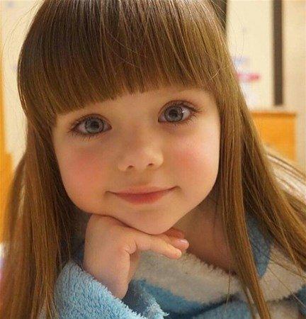 6 yaşındaki Instagram fenomeni: Anastasia Knyazeva