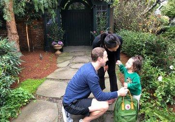 Mark Zuckerberg'den aile fotoğrafı