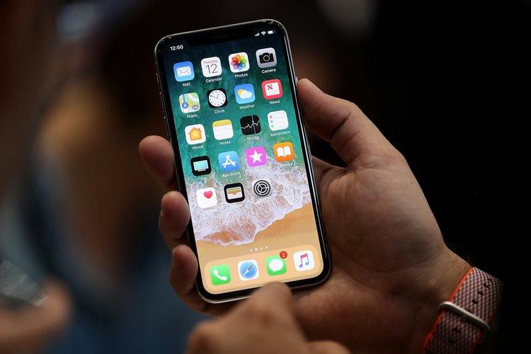 Apple'dan LCD ekranlı ucuz iPhone X geliyor