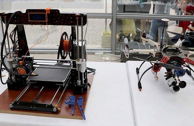 Üniversite öğrencileri 3D yazıcıyla 'yerli drone' geliştirdi