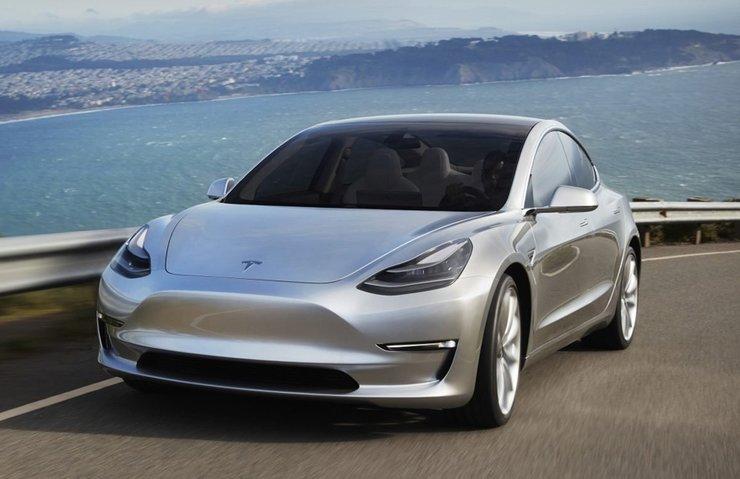 Bu otomobili hackleyen Tesla Model 3 sahibi olacak!