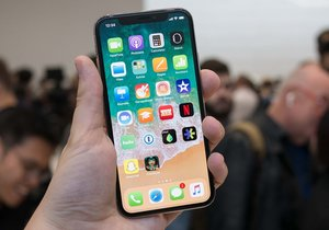 Apple'dan ucuz iPhone X geliyor!