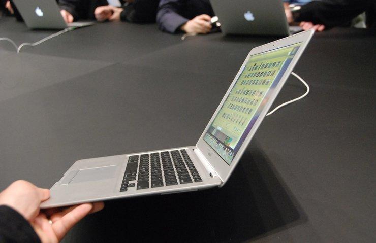Apple macOS High Sierra 10.13.2 güncellemesini yayınladı