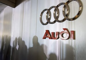 Audi'nin elektrikli SUV'u Audi E-Tron'un iç mekan görselleri