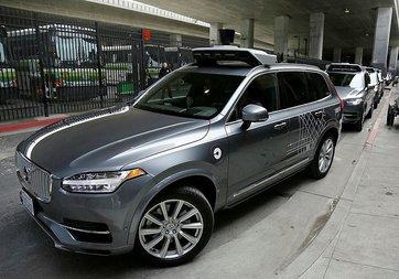 Uber'in sürücüsüz aracı ölüme neden oldu