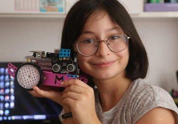 10 yaşındaki Mira'dan fabrika işçileri için robot geliştirdi