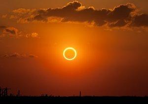Tarihin en büyük Güneş Tutulması'nı kaçırmayın!