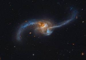 Samanyolu'na şeklini veren sosise benzer cüce galaksi