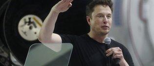 İş adamı Musk, Ay'a yolculuğa hazırlanıyor