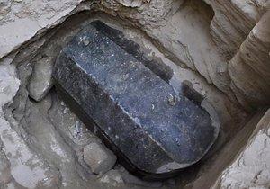 Büyük İskender'in olduğu iddia edilen 2500 yıllık lahit açıldı