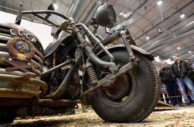 Tank motorlu motosiklet yaptılar!