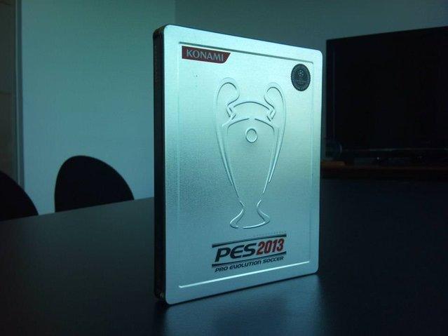 Pro Evolution Soccer 2013 - Özel metal kutular