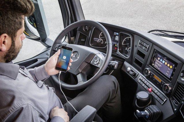 Artık Mercedes'in TIR ve kamyonları da akıllı!