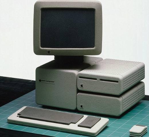 Apple'ın ilk tasarımları nasıldı?