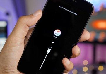 Apple'a ilginç suçlama: Fazladan tamir masrafı çıkarıyor