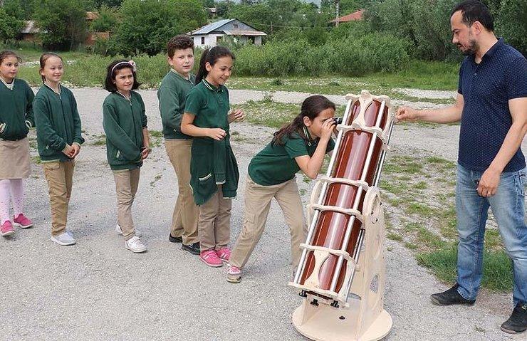 Öğrenciler kendi teleskoplarını yaptılar