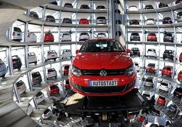 Alman otomotiv devlerine yatırım yasağı