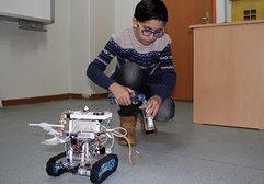 13 yaşındaki öğrenci 'Robo İtfaiye' tasarladı