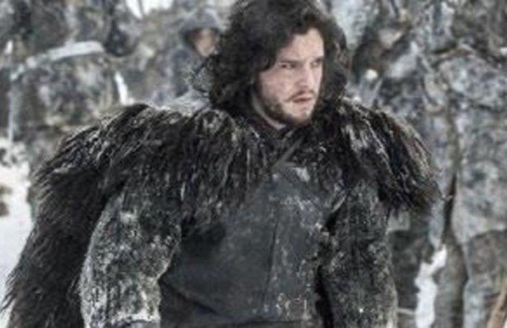 JON SNOW'UN ÜNLÜ KÜRKÜ 140 LİRALIK KİLİM ÇIKTI