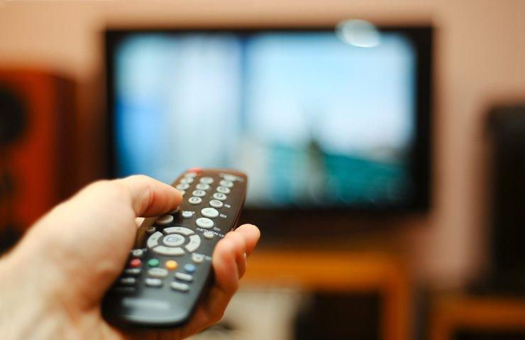 TÜRKİYE HER GÜN 5 SAAT TV İZLİYOR!
