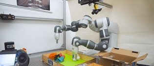 Bilim adamları hassas kavramaya sahip robot üretti