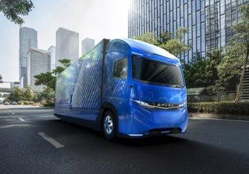 Daimler elektrikli kamyonunu gösterdi!