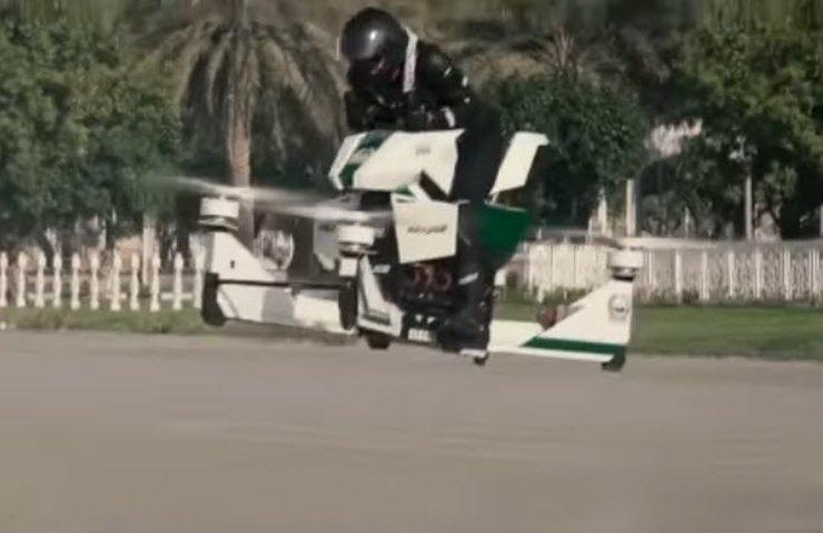 Dubai polisi, araçlarına Hoverbike'ı ekledi