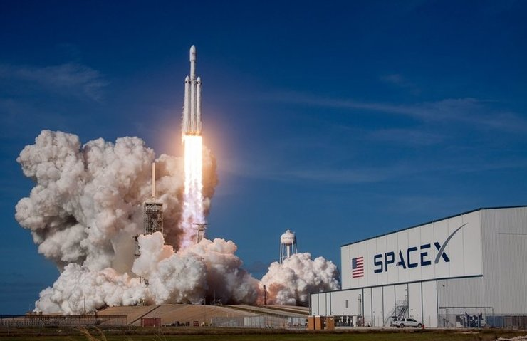 Elon Musk, Falcon Heavy'deki hatayı açıkladı!