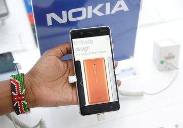 Nokia 9 modeli cep yakacak!