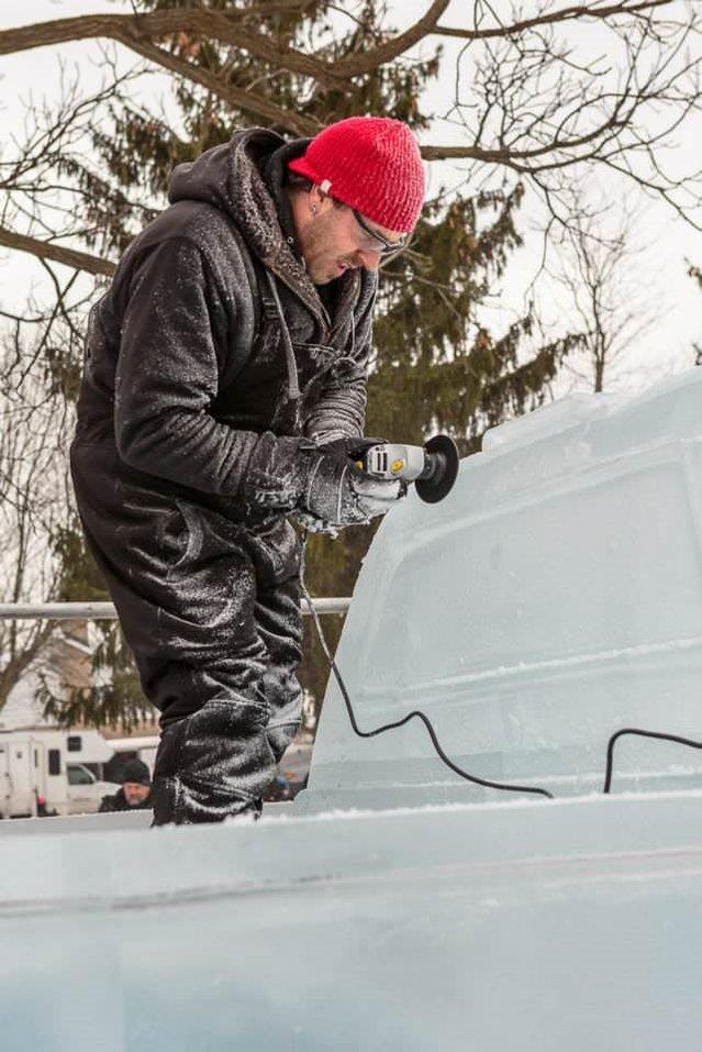 Buzdan kamyonet