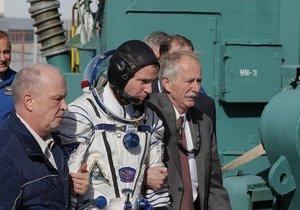 Uzay aracı dünyaya acil iniş yaptı