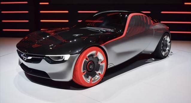 Opel GT konsepti Cenevre'de büyük ilgi gördü