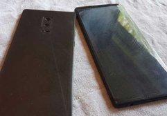 Samsung Galaxy Note 8 maketine ait fotoğraflar