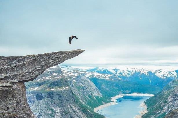 700 metre yükseklikte takla atmak
