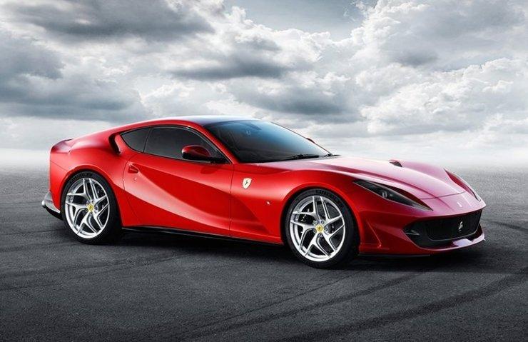 En hızlı Ferrari, 812 Superfast ülkemizde satışta!