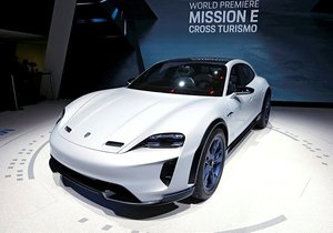 Porsche Mission E Cross Turismo,Tesla Model X'e rakip olacak