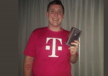 GSM operatörünün dövmesini yaptı, bedava iPhone 8 aldı!