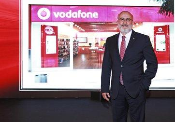 Vodafone, 3 Samsung akıllı telefon alana Samsung J2 hediye ediyor