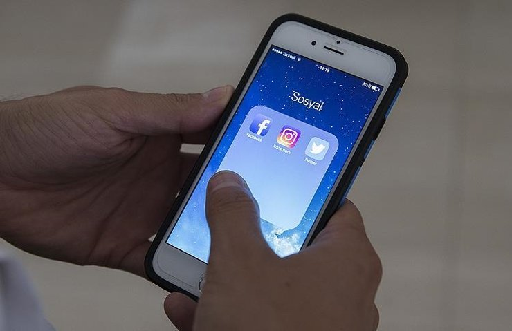 Facebook ve Twitter'dan siyasi reklamlara ayar