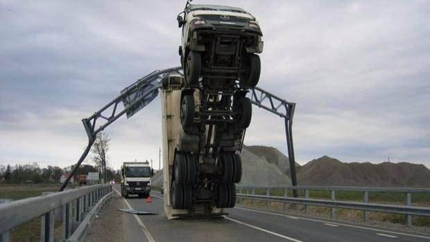 Bu kazalar 'yok artık' dedirtiyor!