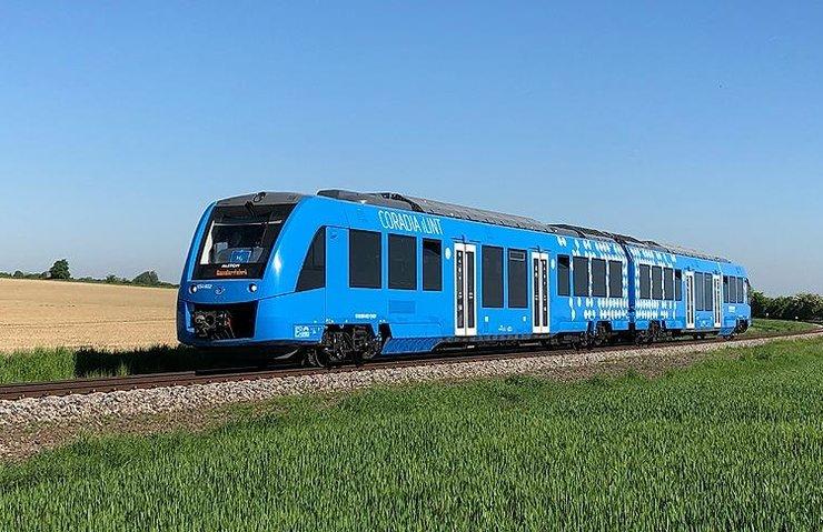 Dünyanın ilk hidrojen enerjili treni yola çıktı
