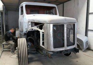 40 yıllık kamyonu 1,5 yılda bu hale getirdi