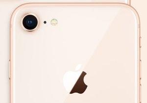 iPhone 8'i söküp, parçalarına ayırdılar!