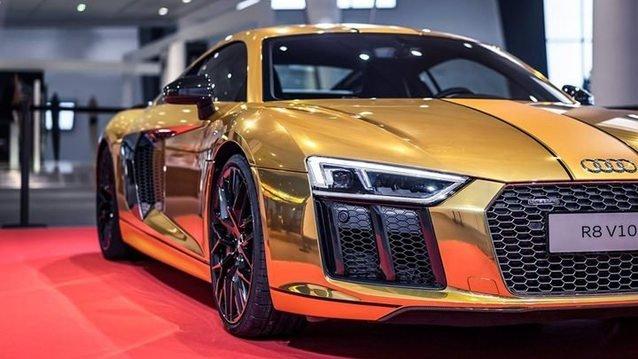 Altın kaplamalı Audi R8!