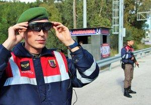 Jandarma'ya yüzünü tanıyan, plaka sorgulayan akıllı gözlük
