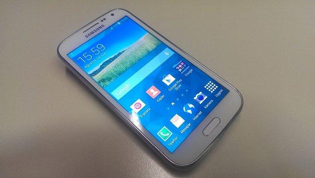 Samsung Galaxy K Zoom'un fotoğrafları